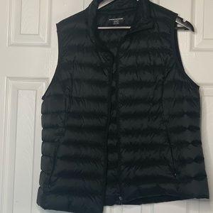 Amazon Essentials Lightweight Puffer Vest